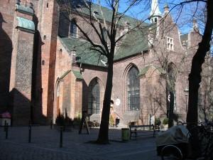 Det er ved det her hjørne af Nikolaj kirke turen udgår fra.